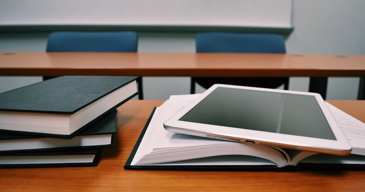 Semesterplanung, Bücher, Unterlagen